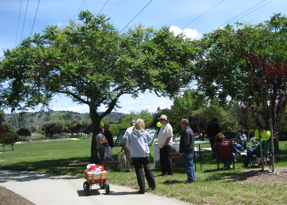MFPA members & friends enjoy Picnic in the Park Day April 26th (4/6)