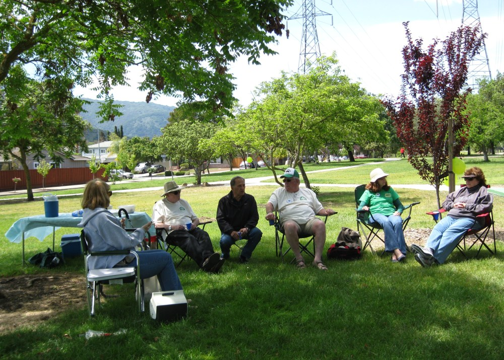 MFPA members & friends enjoy Picnic in the Park Day April 26th (1/6)