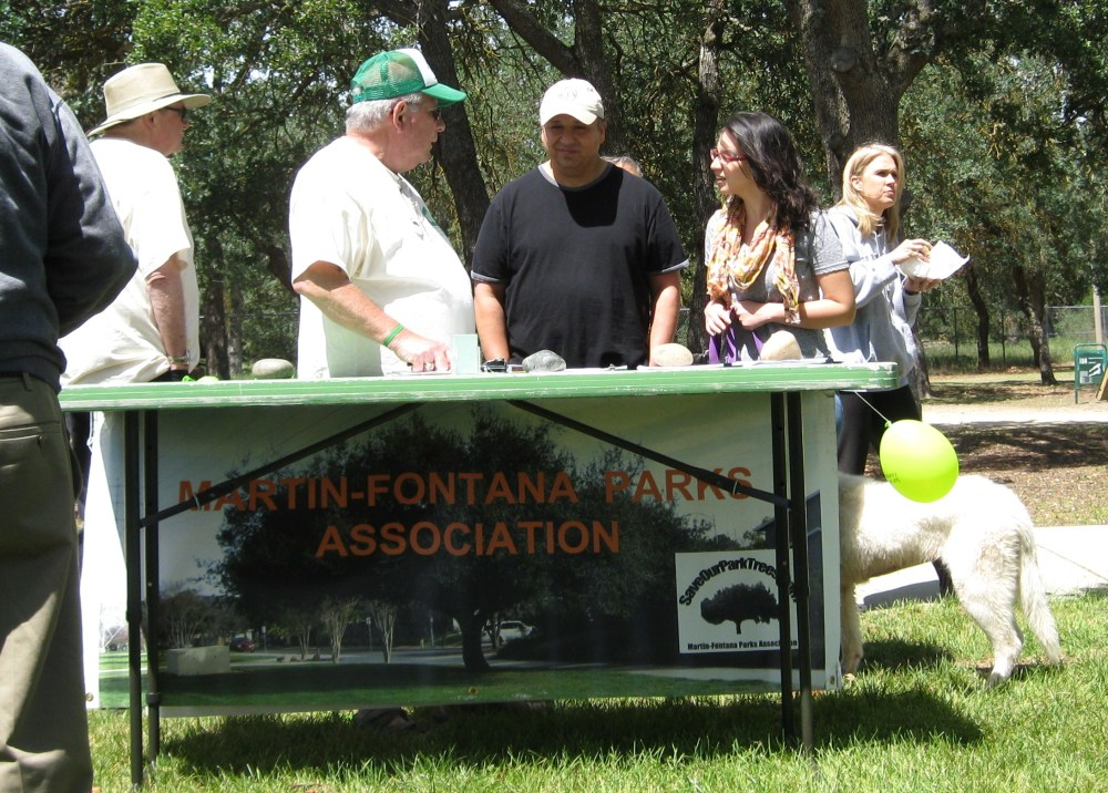 MFPA members & friends enjoy Picnic in the Park Day April 26th (3/6)