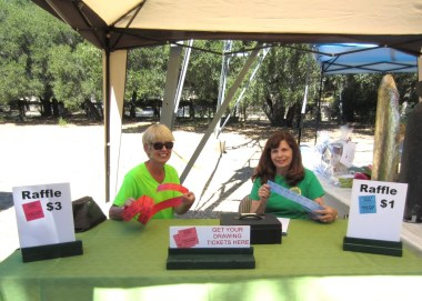 Christine Noordam & Nancy Kalashian sell tickets